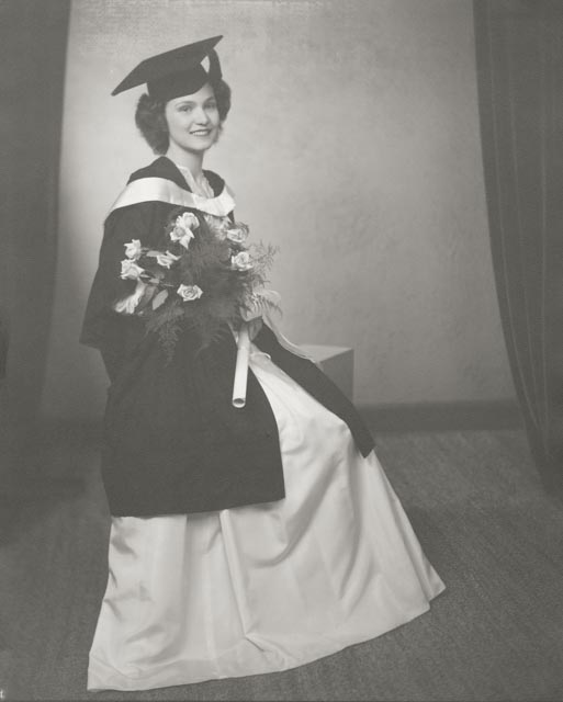 1943 Thompson, Marjorie  University grad