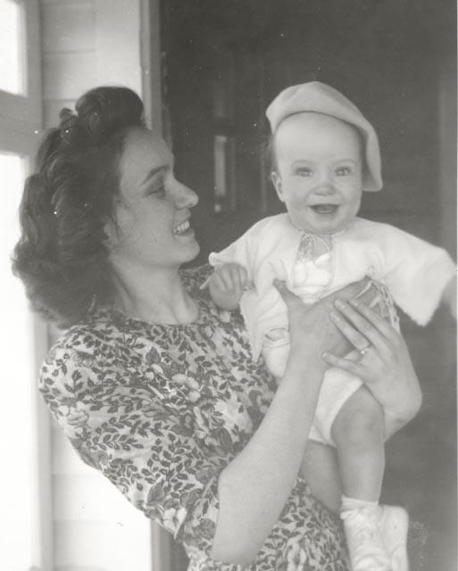 1948 Marjorie & Ralph at c. 8 months