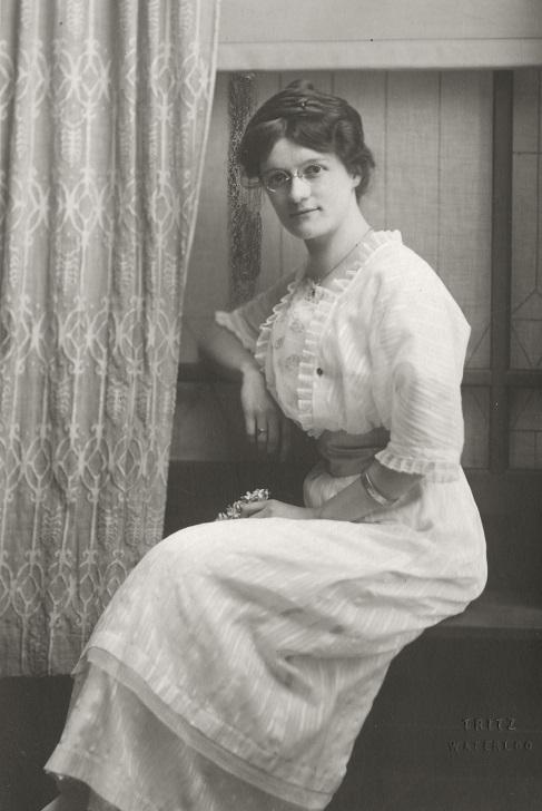 Belle 1917